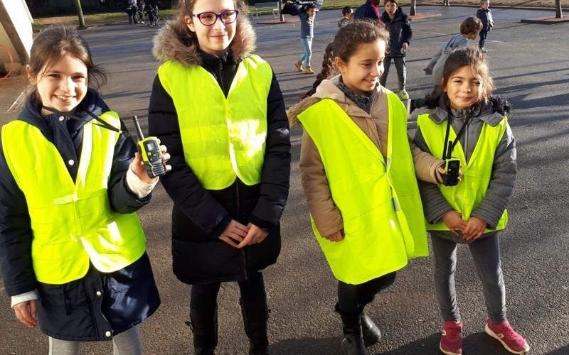 Des enfants vigilants à Jean Vilar